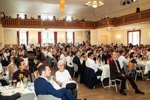 Das Bild zeigt die anwesenden Gäste der Staatsexamensfeier 2018